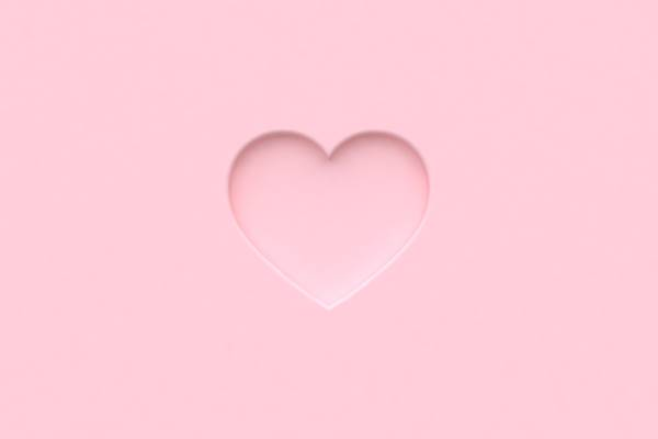 「それじゃ愛撫できないよ……」彼が躊躇したアソコの黒ずみをピンクにする魔法